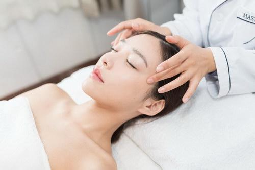 学美容师培训哪个好?