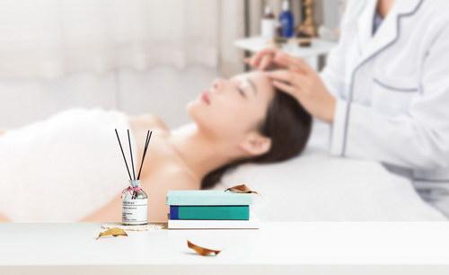 2021年学美容师大概有多少收入:美容师收入一般8000-15000元